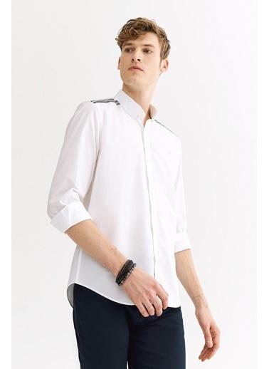 Avva Erkek  Omuzu Grogren Şeritli Düğmeli Gömlek A01Y2105 Beyaz